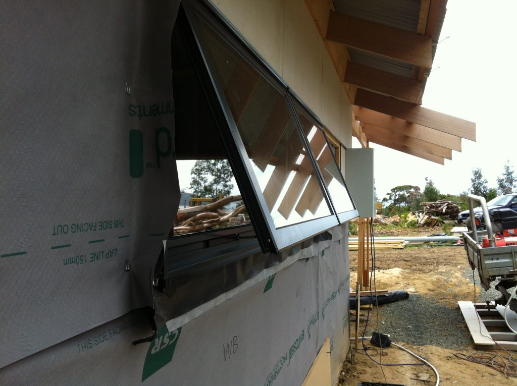 Open to the max: the maximum opening of the kitchen awning windows